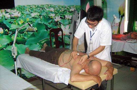 Y học cổ truyền Lai Châu Kết hợp Y học cổ truyền Lai Châu và Y học hiện đại điều trị bệnh đạt trên 30%